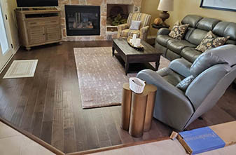 Ponderosa Hardwood Color: Laredo